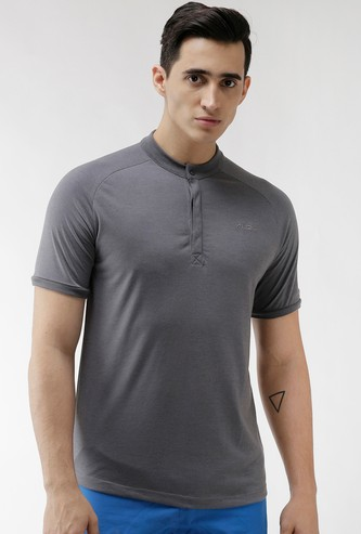 ALCIS Men Solid Henley Collar Regular Fit Training T-shirt