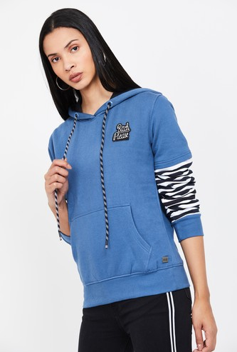CAMPUS SUTRA Printed Full Sleeves Hooded Sweatshirt
