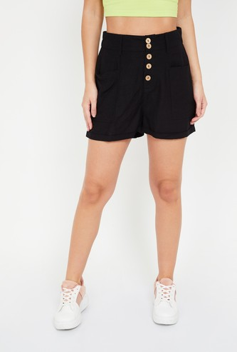 GINGER Solid Button-Down Detail Flared Shorts