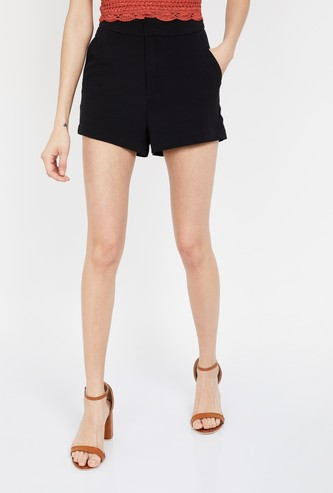 GINGER Solid Regular Fit Shorts with Scoop Pockets