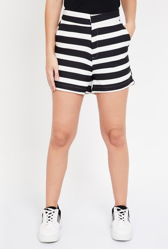 GINGER Striped Regular Fit Shorts with Scoop Pockets