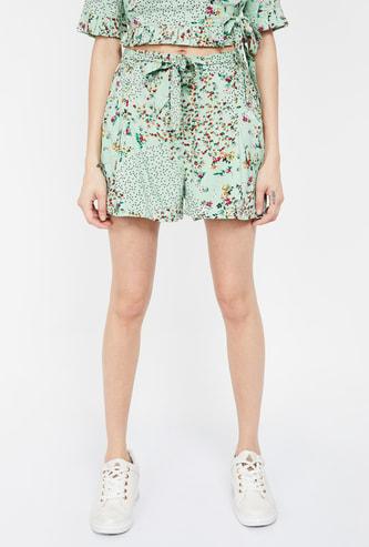GINGER Floral Print Regular Fit Shorts