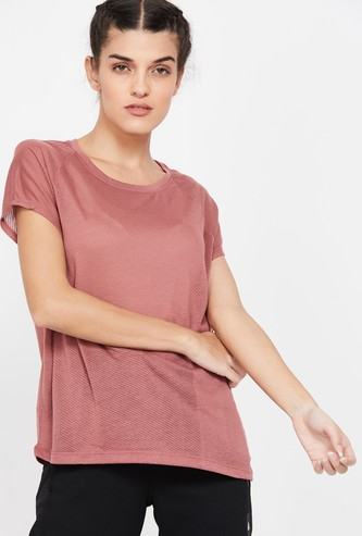 REEBOK Textured Regular Fit Round Neck T-shirt