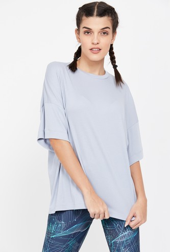 REEBOK Textured Regular Fit Drop Shoulder T-shirt
