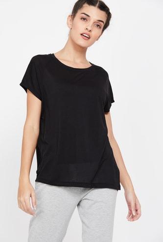 REEBOK Solid Regular Fit Round Neck T-shirt