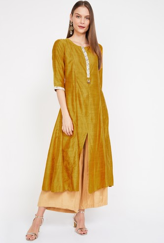 SHREE Women Textured Three-Quarter Sleeves Flared Kurta