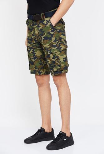 T-BASE Camouflage Print Regular Fit Cargo Shorts