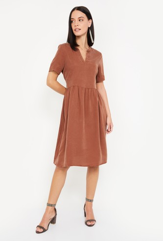 VERO MODA Women Textured Fit & Flare Dress with Open Collar