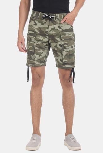 FLYING MACHINE Camouflage Print Slim Fit Cargo Shorts