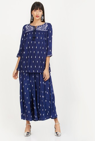 W Printed Cropped Jumpsuit with Tasselled Tie-Up