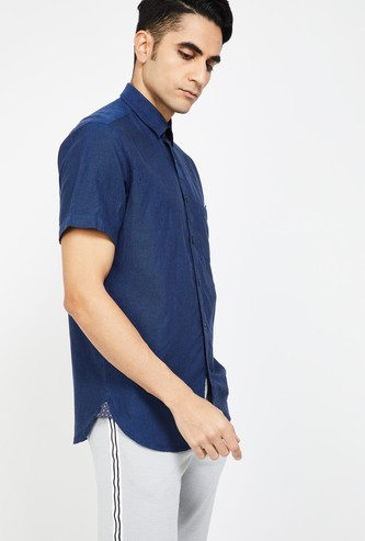COLORPLUS Solid Slim Fit Casual Shirt