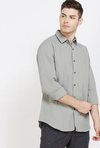 V DOT Solid Full Sleeves Slim Fit Casual Shirt