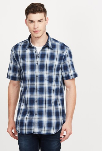 INDIAN TERRAIN Checked Short Sleeves Slim Fit Casual Shirt