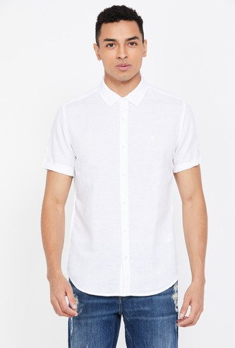 UNITED COLORS OF BENETTON Men Solid Short Sleeves Slim Fit Casual Shirt