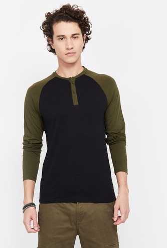 FAME FOREVER Virobar Men Colourblock Regular Fit Henley T-shirt