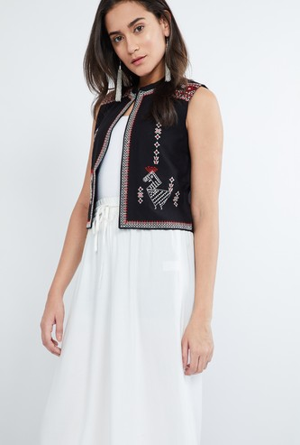 MAX Embroidered Band Collar Koti