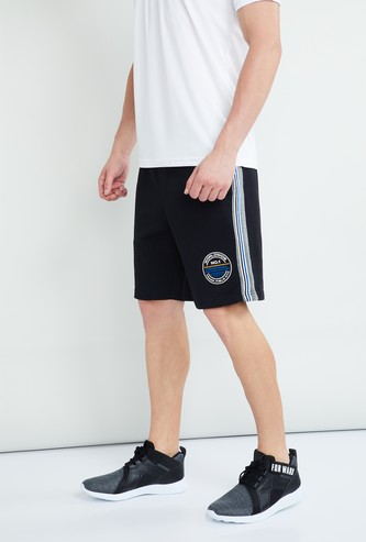 MAX Solid Panelled Regular Fit Sports Shorts
