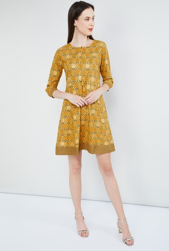 MAX Tasselled Tie-Up Printed Shift Dress