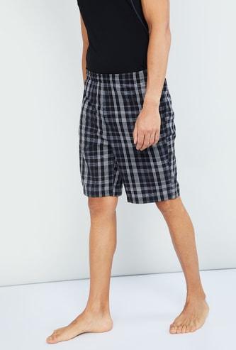 MAX Checked Shorts