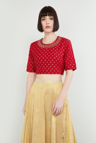 MAX Embroidered Short Sleeves Crop Top