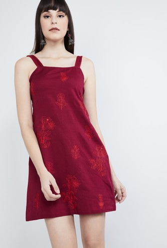 MAX Embroidered Sleeveless Skater Dress