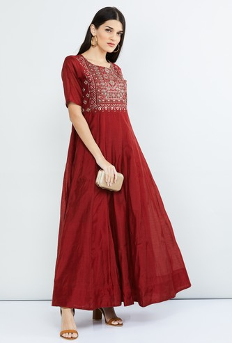MAX Embroidered Short Sleeves Maxi Dress