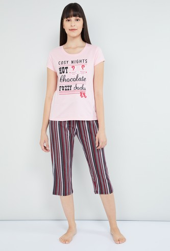 MAX Typographic Print T-shirt with Capris