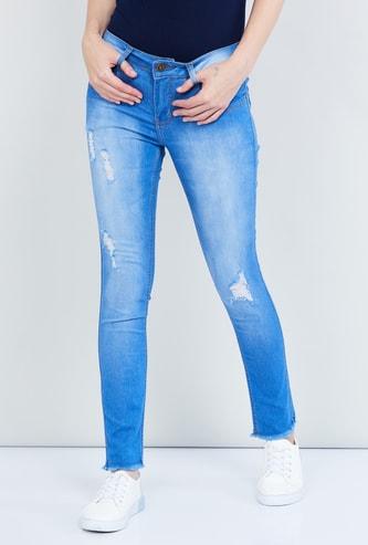 MAX Distressed Skinny Fit Jeans