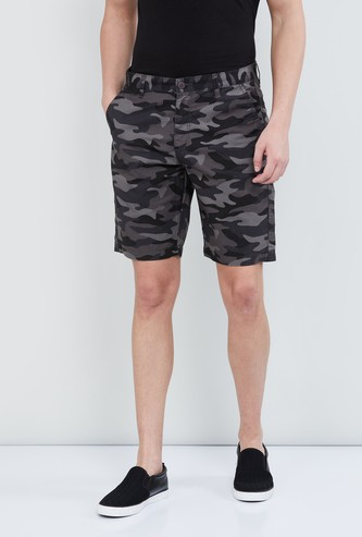 MAX Camouflage Print Casual Shorts