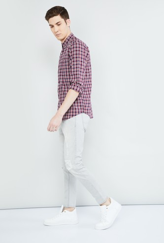 MAX Solid Carrot Fit Distressed Jeans