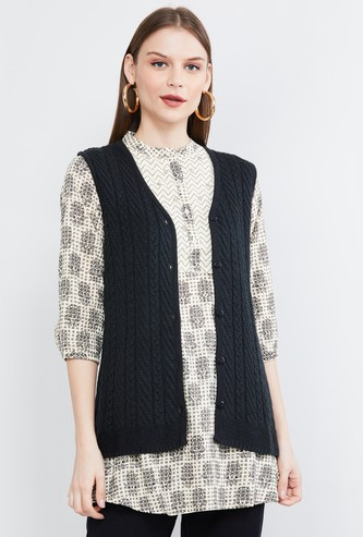 MAX Solid Knitted Sweater Vest