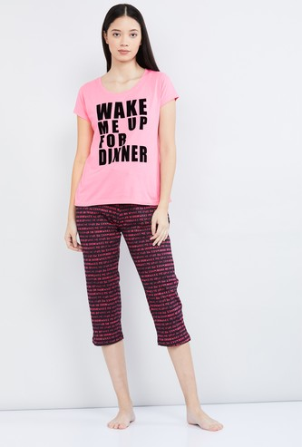 MAX Typographic Print T-shirt and Capris