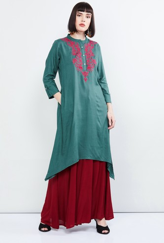 MAX Embroidered Dipped Hem Kurta