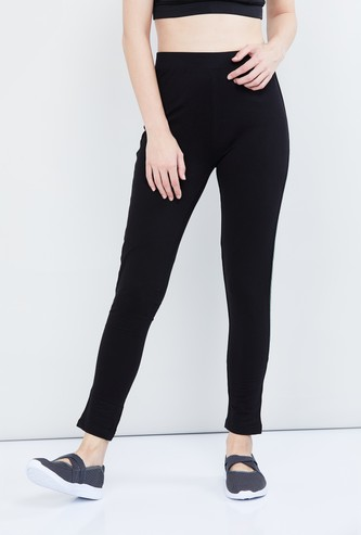 MAX Solid Trackpants with Contrast Taping
