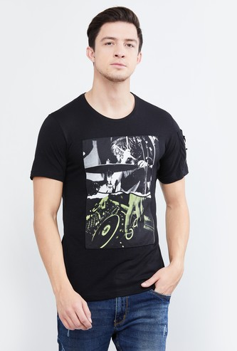 MAX Graphic Print Short Sleeves T-shirt