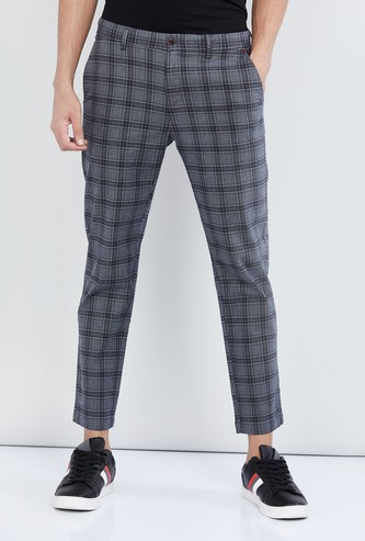 MAX Woven Carrot Fit Chinos