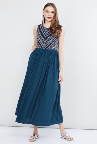 MAX Yoke Design Maxi Dress