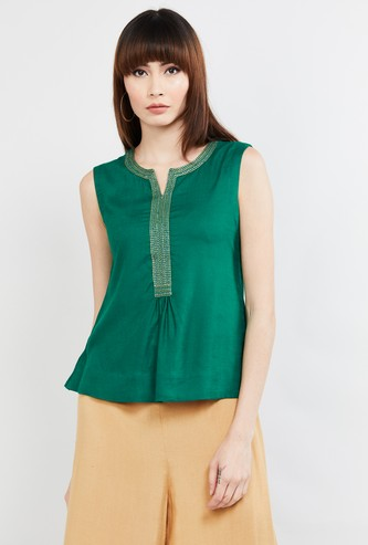 MAX Solid Notched Neck Top