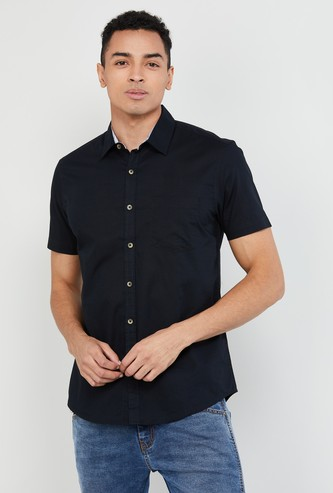 MAX Solid Short Sleeves Slim Fit Shirt
