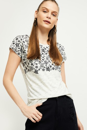 MAX Printed T-shirt with Cap Sleeves