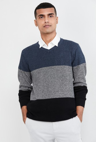 MAX Colourblocked V-neck Sweater