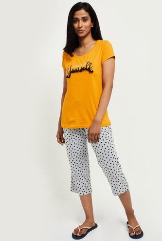 MAX Printed T-shirt and Elasticated Capris