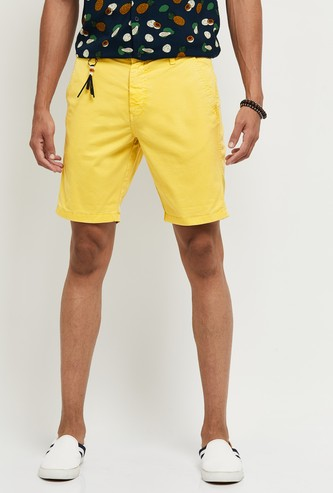 MAX Solid Woven Casual Shorts with Accessory