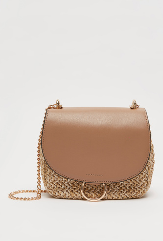Textured Crossbody Bag with Metallic Chain and Magnetic Snap Closure