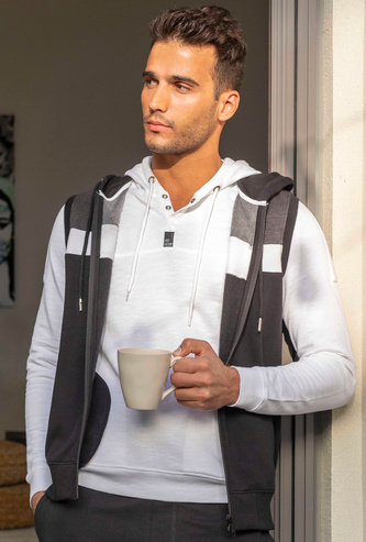 Solid Sleeveless Hoodie with Pocket Detail and Zip Closure