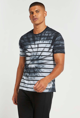 Slim Fit Tie Dye Print T-shirt with Crew Neck and Short Sleeves