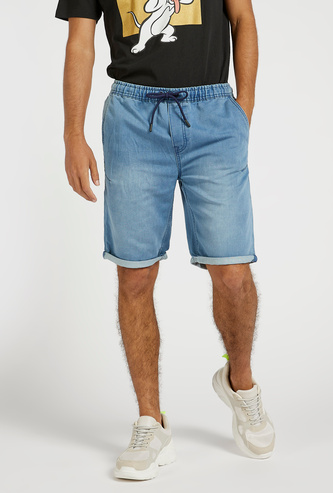 Slim Fit Solid Mid-Rise Shorts with Pockets and Drawstring Closure