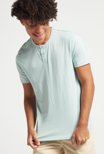Slim Fit Solid Henley Neck T-shirt with Short Sleeves