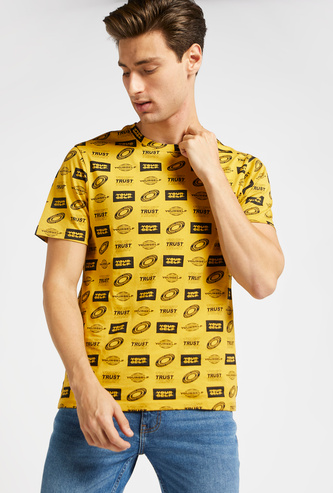 All-Over Graphic Print Round Neck T-shirt with Short Sleeves