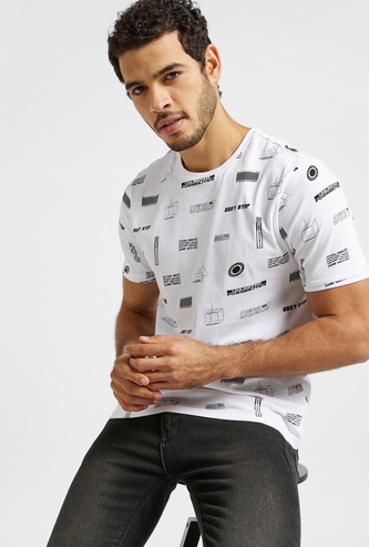 All-Over Graphic Printed Round Neck T-shirt with Short Sleeves